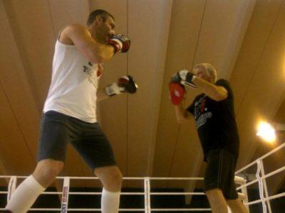 ФОТО: Виталий Кличко готовится к поединку против Чарра