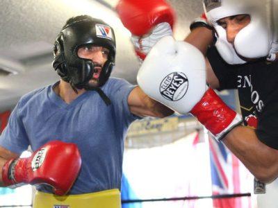 ФОТО: Мартиросян продолжает подготовку к бою против Лары