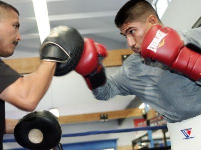 ФОТО: Мигель Анхель Гарсиа готовится к бою с Барросом