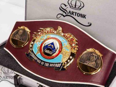 ФОТО: Пояс Чемпиона десятилетия WBO