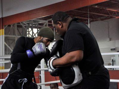 Ламонт Питерсон продолжает подготовку к бою против Кендалла Холта (ФОТО + ВИДЕО)