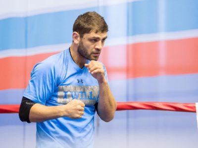 Аллахвердиев получил травму локтя и был вынужден отказаться от поединка против Прескотта