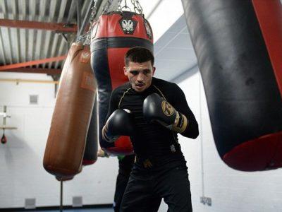 Селби подписал контракт с Matchroom Boxing