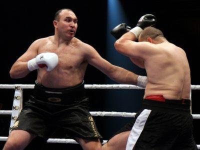 Устинов побеждает в Харькове