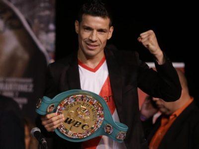 Мартинес останется чемпионом WBC