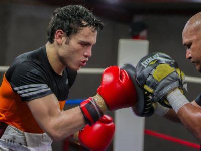 Хулио Сезар Чавес-младший вернется в ринг в декабре