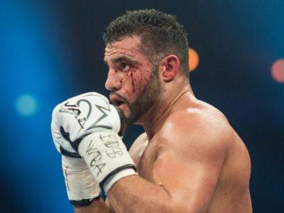 Чарр победил Устинова и завоевал пояс WBA