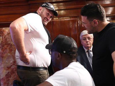 Тайсон Фьюри ждет решение Британского боксерского совета, чтобы выйти на ринг против Энтони Джошуа
